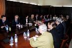 Foto të delegacionit të Parlamentit Europian gjatë takimit në Gjykatën e Lartë