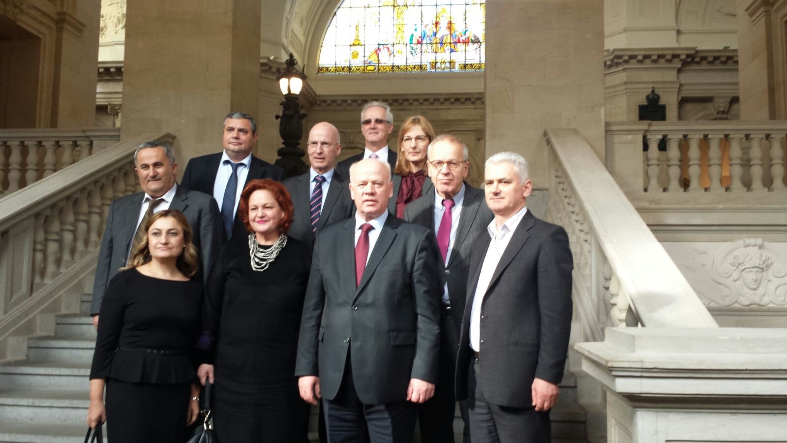 Një delegacion i Gjykatës së Lartë, kryesuar nga Kryetari i saj Z. Xhezair Zaganjori, zhvilluan një vizitë zyrtare në Gjykatën e Lartë Federale Administrative në Lajpcig, si dhe në Gjykatën e Lartë Administrative të Landit të Saksonisë, Bautzen, Gjermani