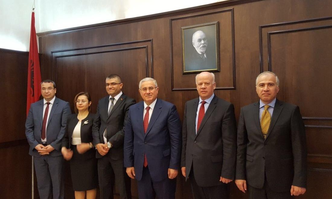 Kryetari i Gjykatës së Lartë Z. Xhezair Zaganjori, priti sot në një takim Prokurorin e Përgjithshëm të Republikës së Turqisë Z. Mehmet Akarca