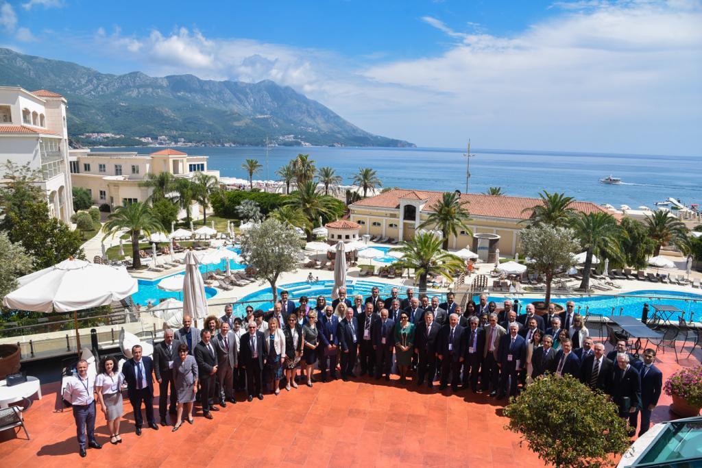 """Kryetari i Gjykatës së Lartë Z. Xhezair Zaganjori ka marrë pjesë në Konferencën e Kryetarëve të Gjykatave të Larta dhe Prokurorëve të Përgjithshëm, me temë """"Terrorizmi dhe Migracioni i Paligjshëm"""", të organizuar në datat 24-26 qershor në Budva, Mali i Zi."""